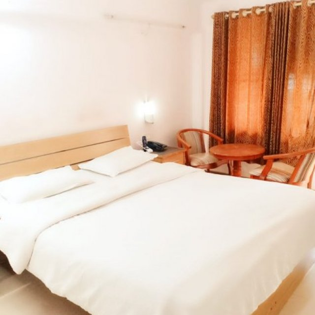 Are you looking for budget hotels, in Nashik?
